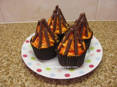 Bonfire-Cupcakes-by-Help-Me-Bake-11-480x360.jpg