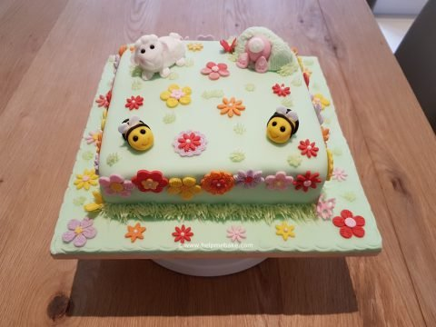 Meadow Cake With Edible Animals.